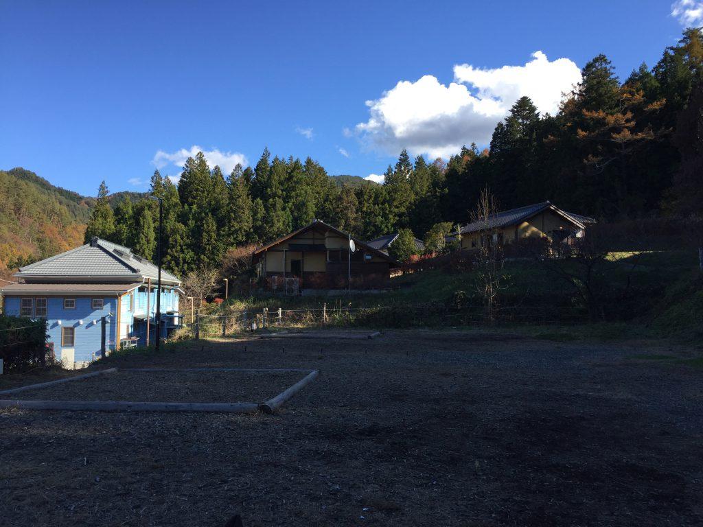 都留戸沢の森 和みの里キャンプ場 区画サイト写真