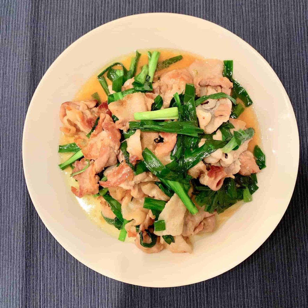 ニラ豚(ニラと豚肉の炒め物)完成