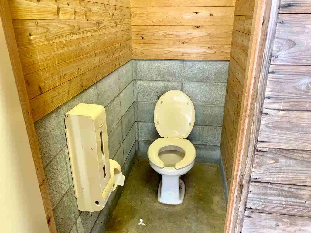 マザー牧場オートキャンプ場 トイレ