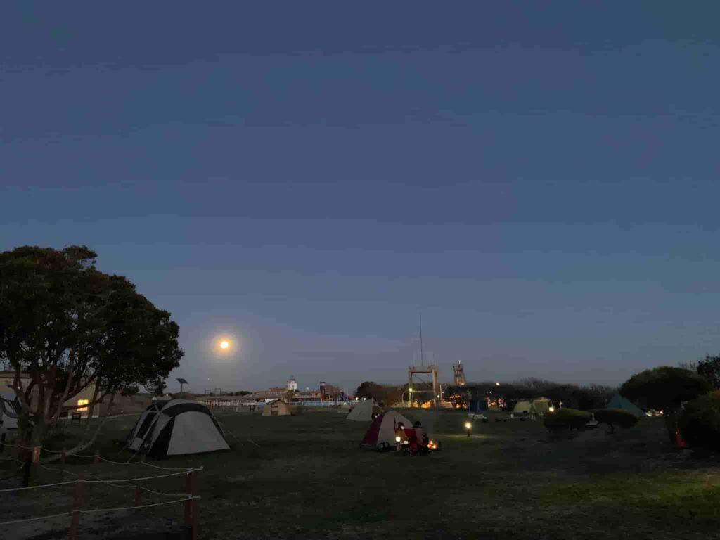 ソレイユの丘 満月