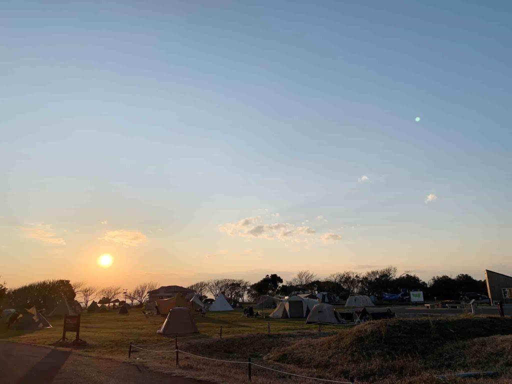 ソレイユの丘 オートキャンプ場 夕焼け