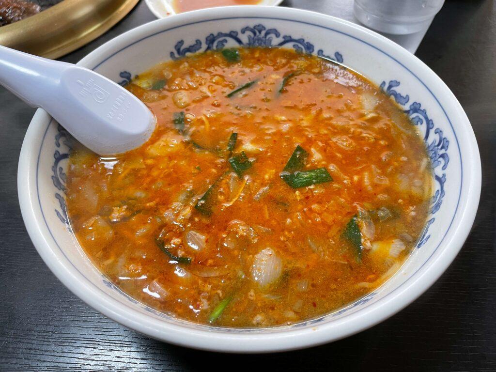 明月園 タンタン麺